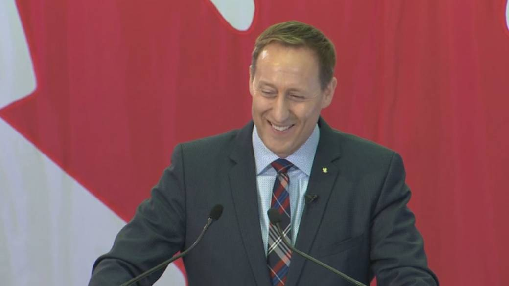 Tory leadership candidate Peter MacKay plans to walk in Toronto Pride parade