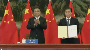 ASEAN, China and other partners sign world's biggest trade pact (03:07)