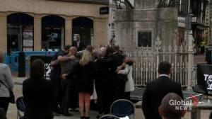 Memorial service held for victims of terror attack in Reading, U.K. (01:07)