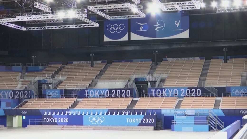 Click to play video: 'Tokyo 2020 organizers say banning fans from Olympics still an option'