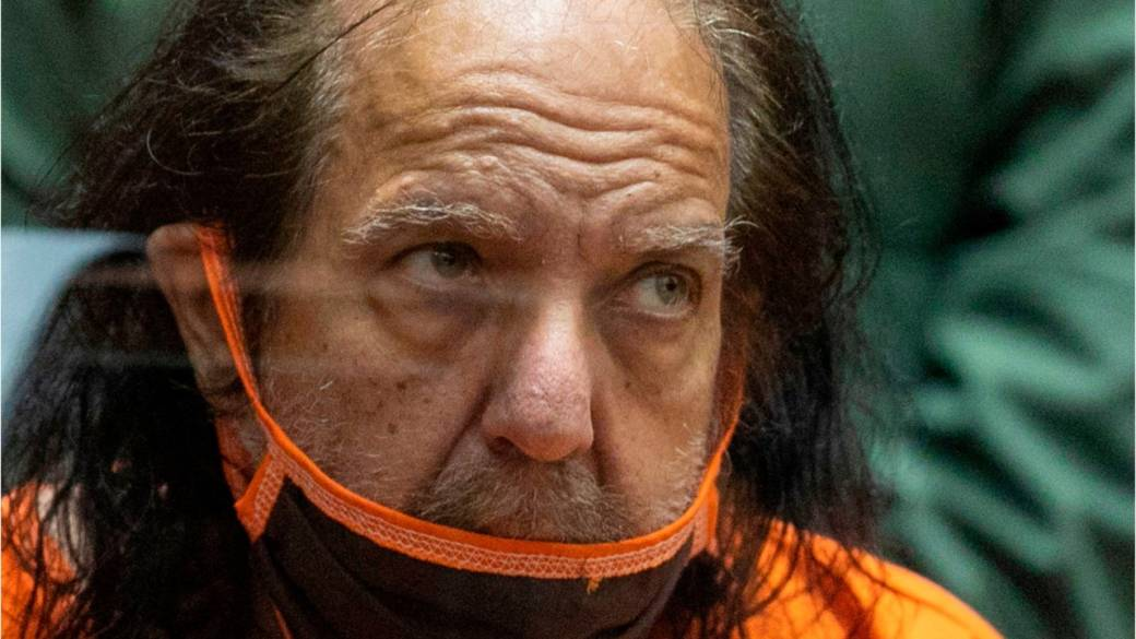 Click to play video: 'Porn star Ron Jeremy facing 20 additional sexual assault charges'