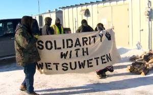 Protesters block rail traffic in support of Wet'suwet'en First Nation west of Winnipeg