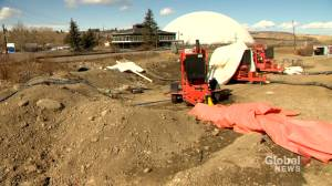 Calgary golf course facing delayed open due to ongoing sewage repair (01:31)