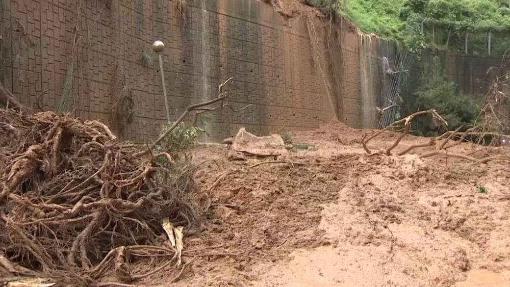Click to play video 'Typhoon Haishen: South Korea battered with heavy rains causing landslides'