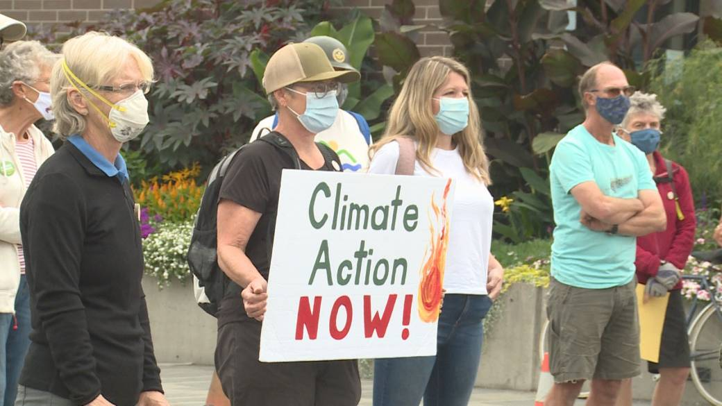 Click to play video: ''We know there is no more time': climate activists gather outside Vernon city hall'