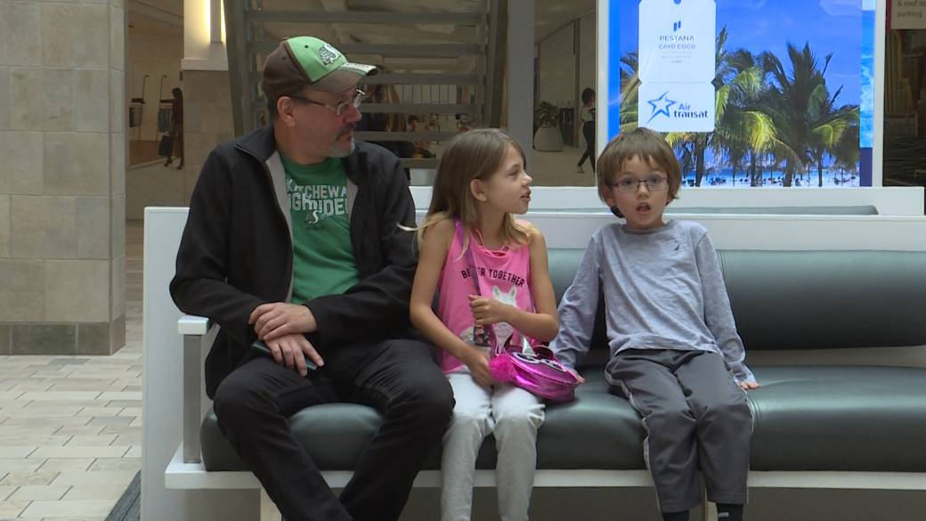 Kingston parents frustrated at short notice of possible CUPE strike
