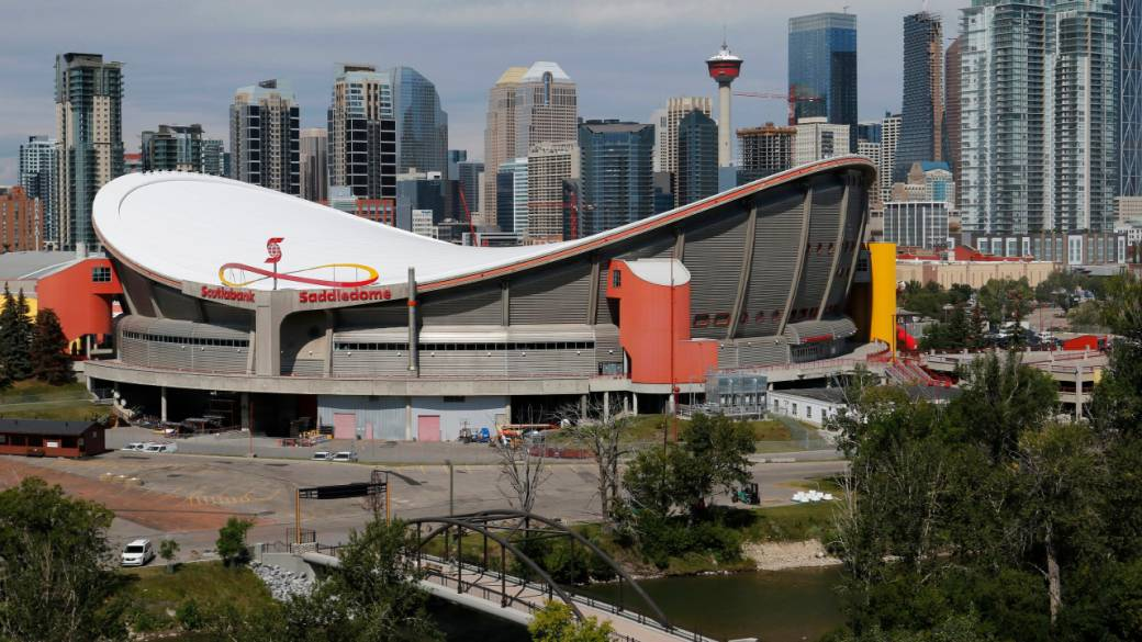 Click to play video: 'Calgary city council approves confidential change to arena deal with Flames ownership'
