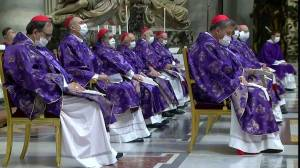 Pope Francis leads mass with new cardinals (02:03)