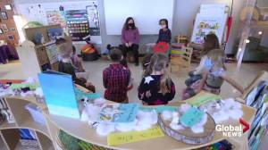 Educator urges parents to enrol their children in kindergarten (02:01)