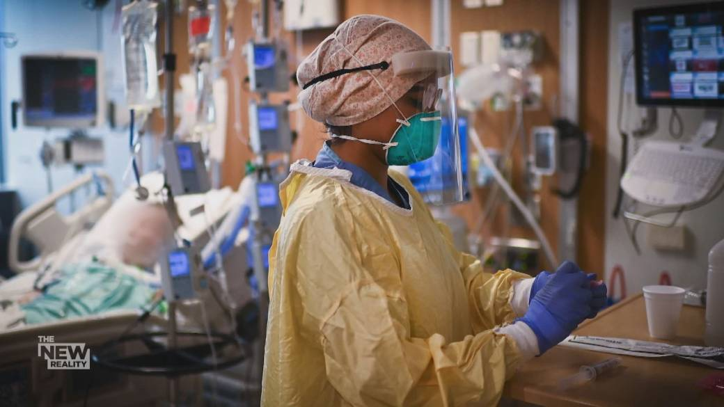 Click to play video: 'The emotional toll the pandemic is taking on health care workers'