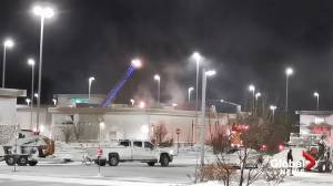 Roof at RBC in Regina's Harbour Landing goes up in flames (00:39)