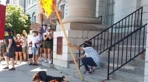 Protestors ask city to remove Sir John A. Macdonald statue (01:42)