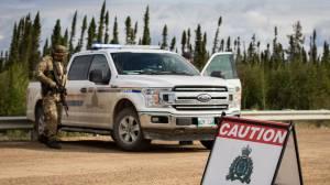 Manitoba manhunt for Eric Wildman, murder suspect (01:39)