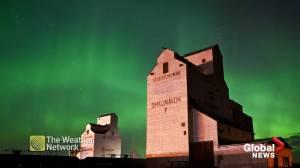 Awe-inspiring aurora borealis takes over North American night sky (02:17)