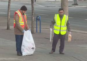 Calgary Muslim youth group cleans up after New Year's Eve celebration