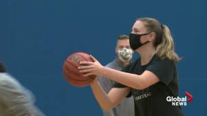 Like mother, like daughter – sort of: Shae McCusker embracing family's athletic legacy (02:05)