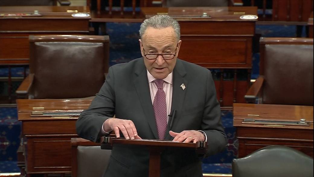 Click to play video 'Schumer says GOP vote to dismiss impeachment 'deeply irresponsible,' vows trial will go forward'