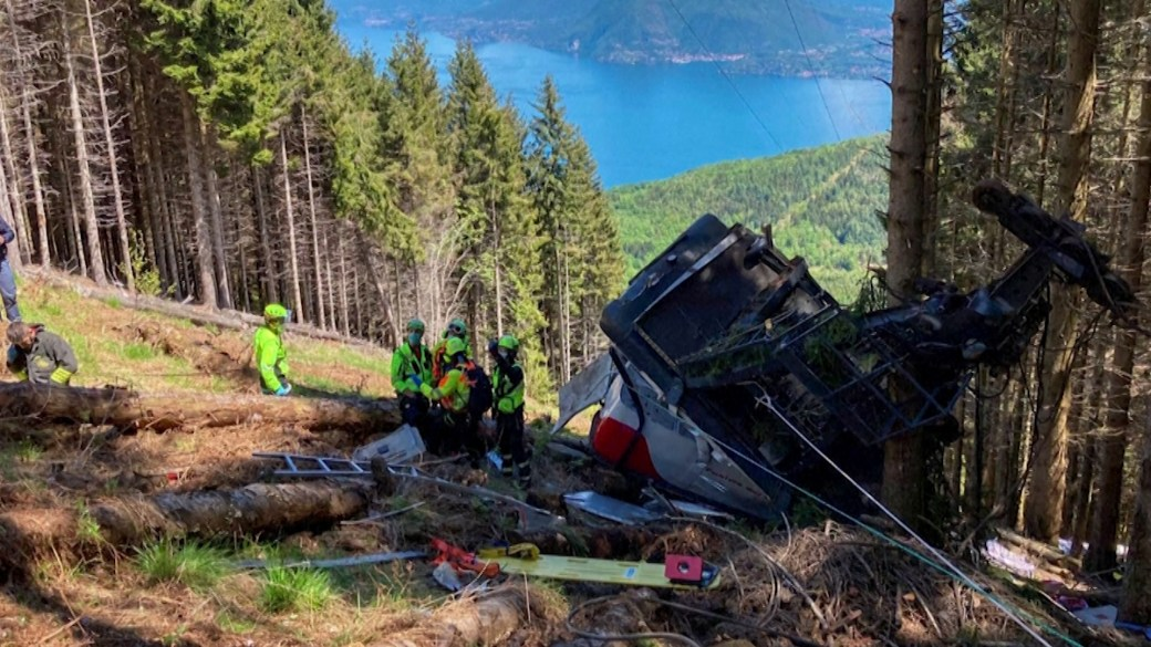 Click to play video: '13 dead, 2 children injured in Italian cable car accident'