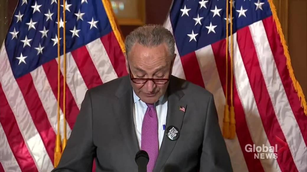 Videoyu oynatmak için tıklayın: 'Schumer, ABD senatörlerini Asya karşıtı nefret suçları yasası lehine oy vermeye çağırıyor'