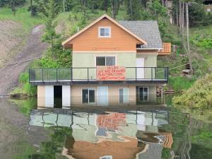 Locals at Stump Lake propose solutions to help with flooding (03:28)