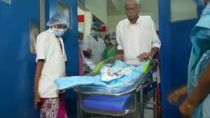 Indian woman gives birth to twins at age 73 (00:53)