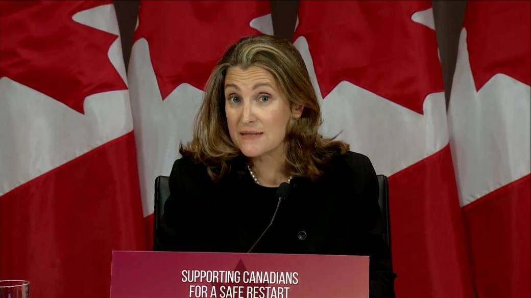 Click to play video 'Coronavirus: Freeland says government working on rent relief for small business, asks landlords to help'