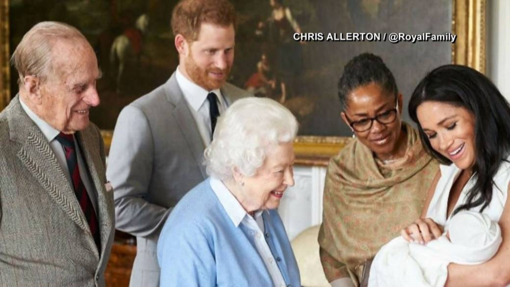 prince harry meghan markle release new photo of baby archie for prince charles birthday national globalnews ca prince harry meghan markle release new