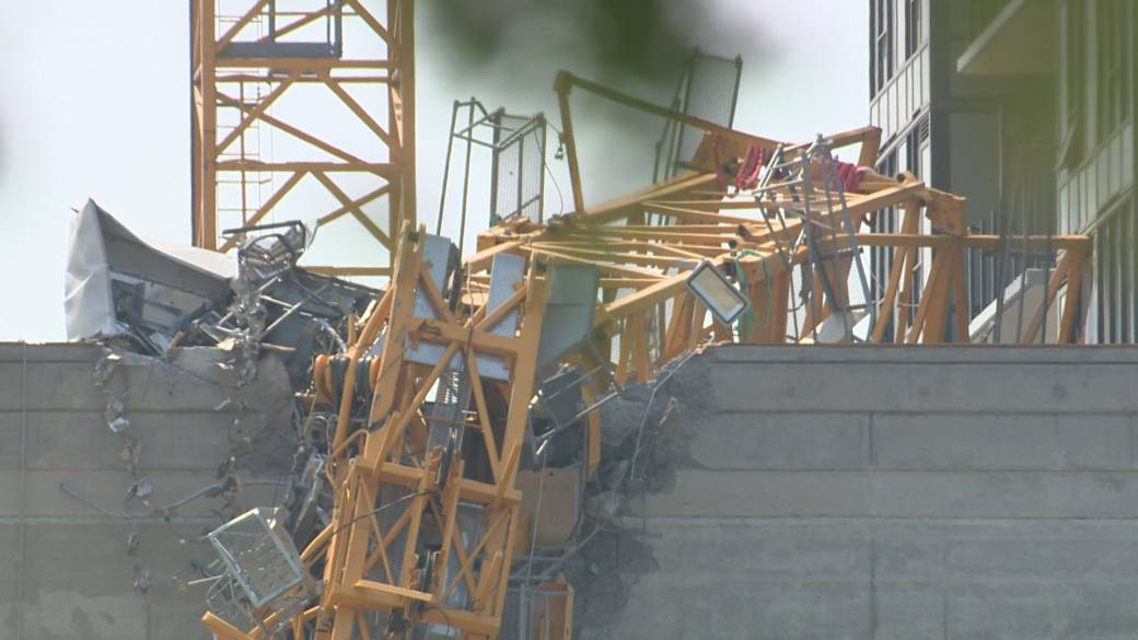 Click to play video: 'First hand accounts from the crane collapse in Kelowna, BC'