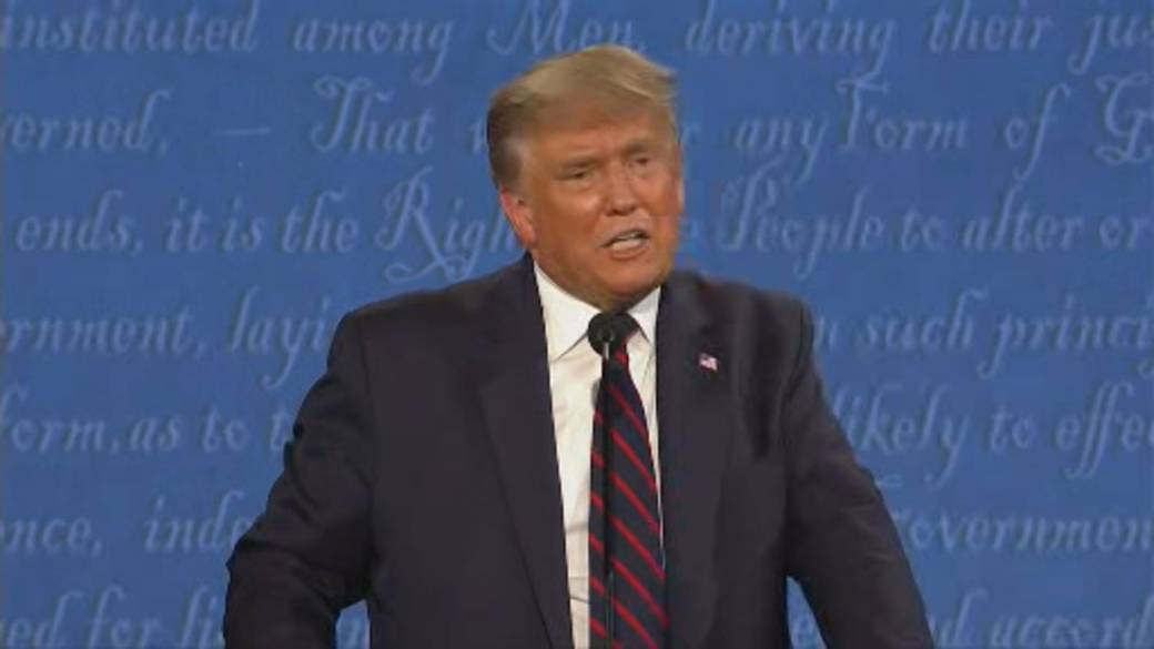 Click to play video 'US Presidential debate: Trump avoids condemning white supremacist groups'