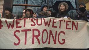 RCMP offer to withdraw from Wet'suwet'en territory
