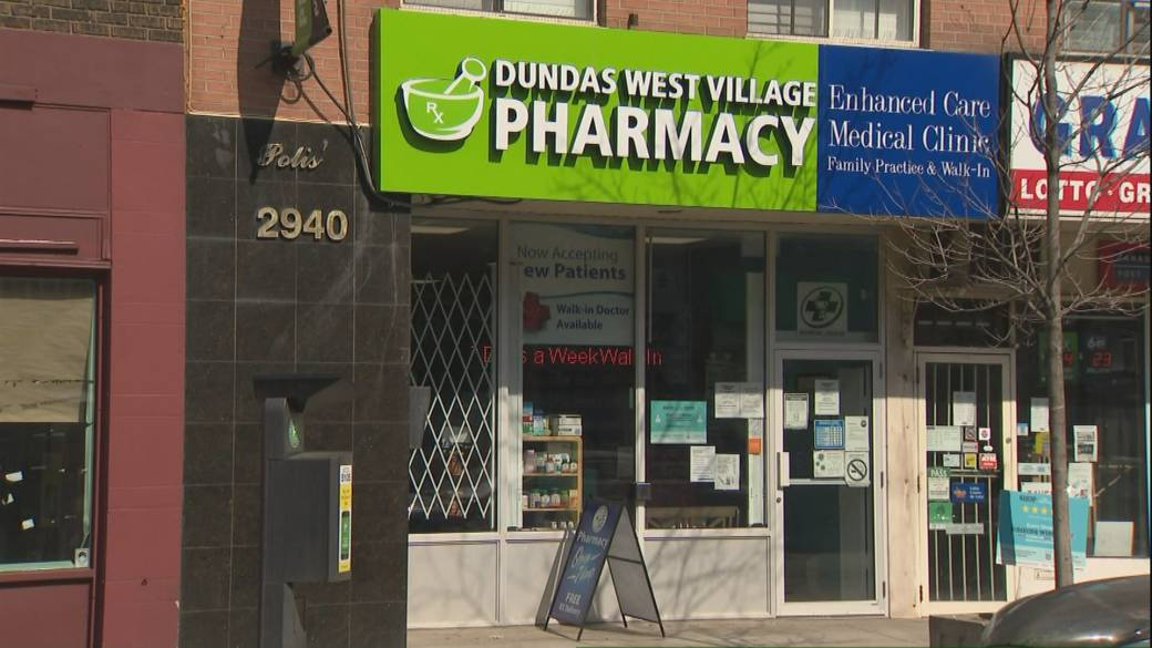 Click to play video: 'Some Ontario pharmacies gear up to administer coronavirus vaccines'