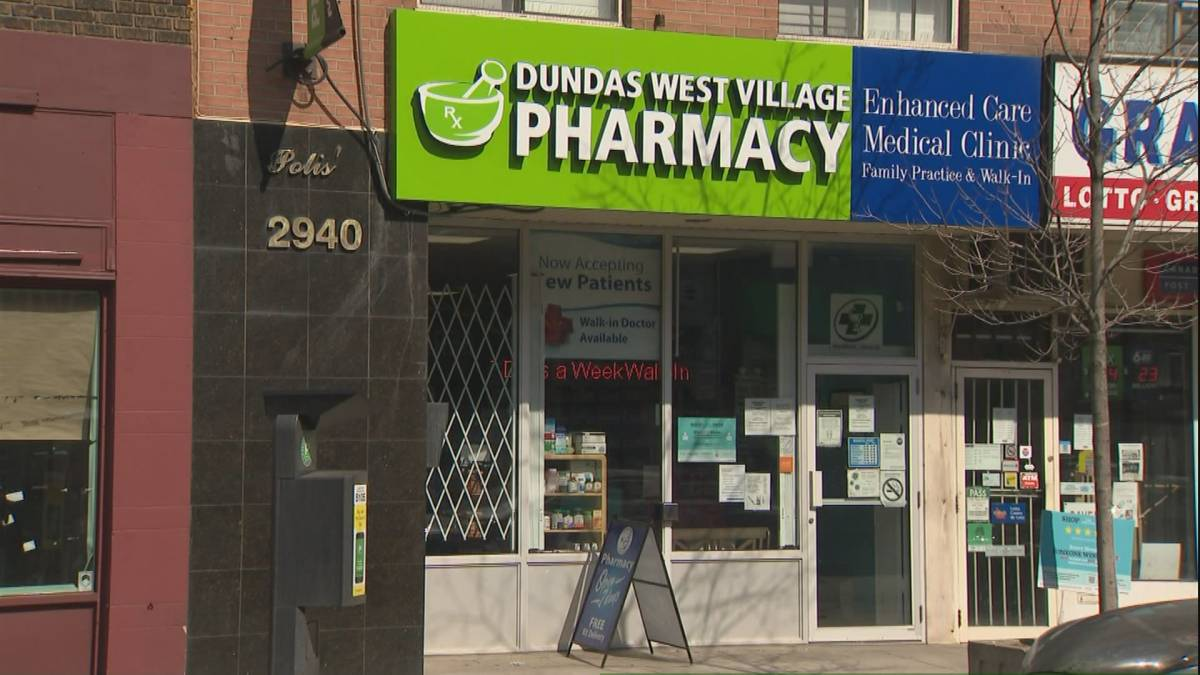 Click to play video 'Some Ontario pharmacies gear up to administer coronavirus vaccines'
