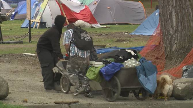 Click to play video: Eviction deadline looms for Strathcona Park encampment