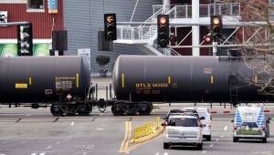 UCP hopes to help Alberta industry by offering more crude-by-rail opportunities
