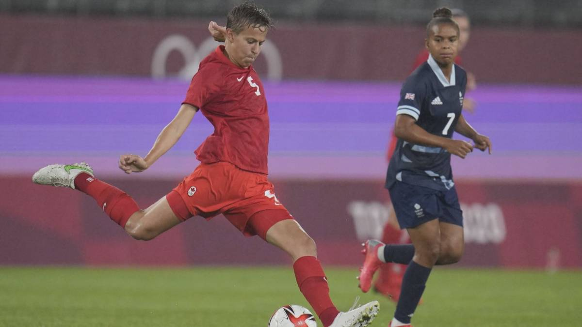 Click to play video: 'What impact will Canadian transgender, non-binary Olympic soccer player have on diversity in sport'