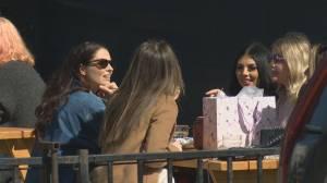 Okanagan restaurant owners adapting to indoor-dining restrictions (02:09)