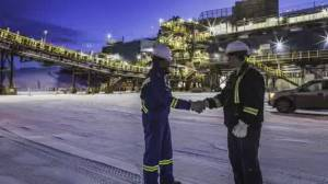 COVID-19 cases connected to Alberta oilsands camp increase