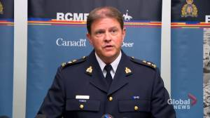RCMP updates officer's injuries after Red Deer walk-in clinic homicide call (00:26)