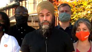 Canada election: Singh says NDP will 'fight' for Alberta amid COVID-19 state of emergency (01:30)