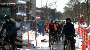 Cyclists find new way to show appreciation for Montreal health care workers (01:38)