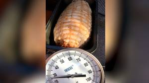 Man successfully cooks pork roast in car during Australian heatwave