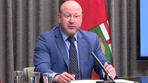 Manitoba outlines tighter COVID-19 restrictions, including ban on visits between households (02:22)