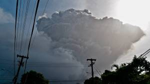 La Soufriere volcano erupts again, threatening thousands in St. Vincent (01:41)