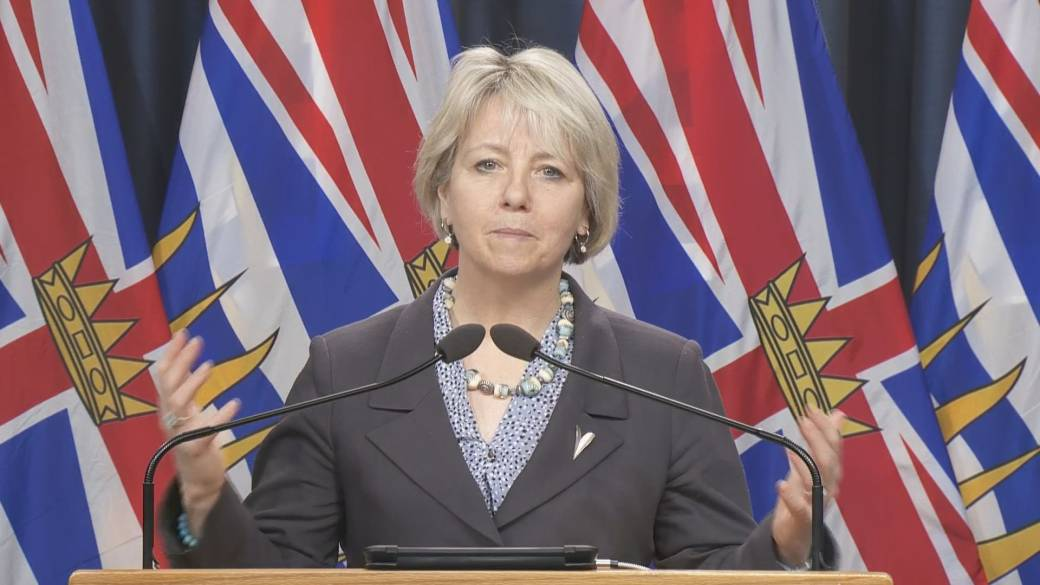 Click to play video 'B.C. health officials decide to delay second COVID-19 vaccine dose'