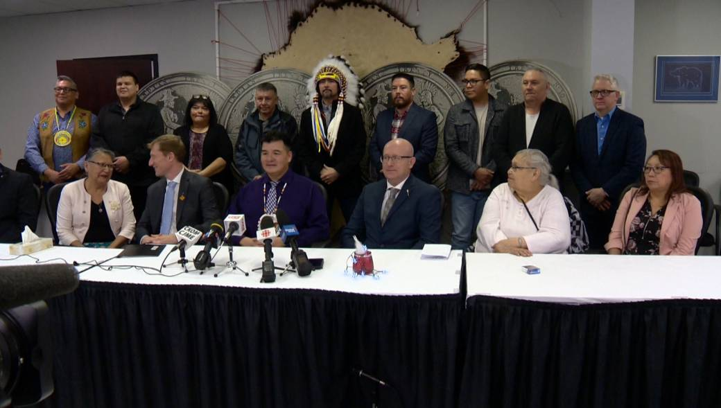 Click to play video 'Canadian government commits $2.5M for Saskatchewan First Nation suicide strategy'