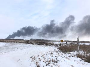 Derailed CP train in Saskatchewan erupts in flames (01:44)