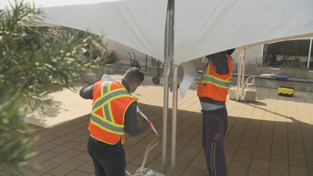 Click to play video: 'Indoor gathering restrictions a boon for Vancouver area tent companies'