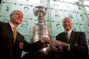 Gordie Howe auction features pieces of Saskatoon sports history (01:51)