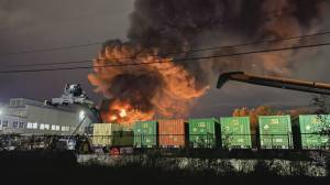 Fire burning at plastics facility in New Westminster (01:19)