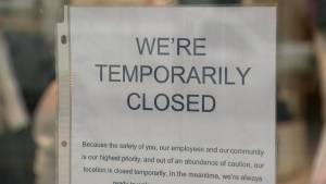 Manitoba orders non-critical businesses to close amid COVID–19 (01:18)